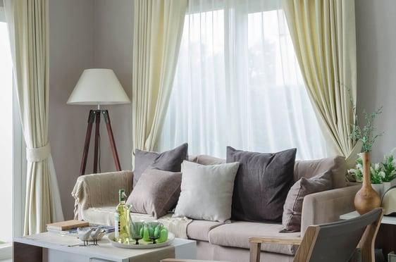 Blog-Imagen-10-consejos-para-remodelar-tu-casa-cambia-invierte-cortinas-Credifiel-Ago20-V2