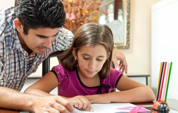 Blog-Imagen-consejos-para-apoyar-regreso-clase-hijos-designa-espacio-estudio-Credifiel-Ago20-V1