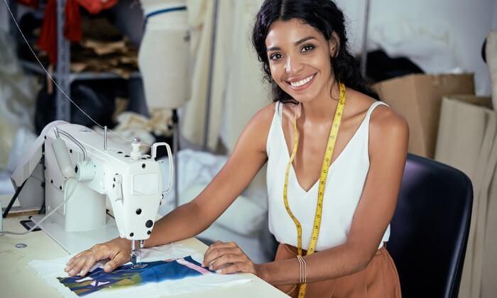 Blog-Imagen-micro-negocios-que-puedes-emprender-con-menos-de-10-mil-pesos-reparacion-modificacion-ropa-Credifiel-Ago20