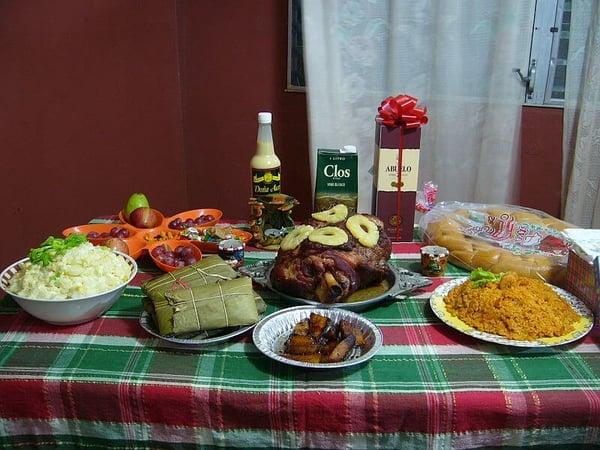 Blog-Imagen-navidad-2020-consejos-festejar-nueva-normalidad-anticipa-compras-cena-Credifiel-Dic20