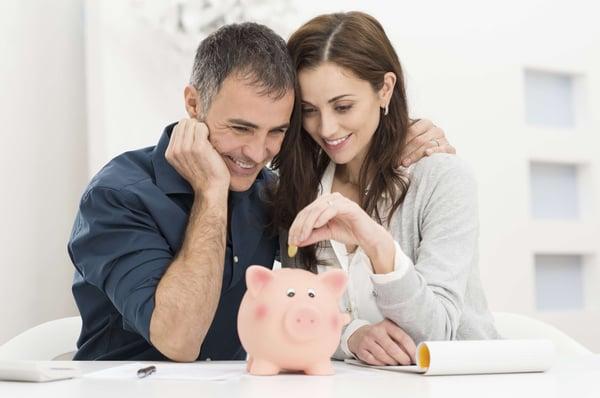 Blog-Imagen-consejos-empezar-ahorrar-desde-hoy-establece-monto-ahorro-al-mes-Credifiel-Nov20