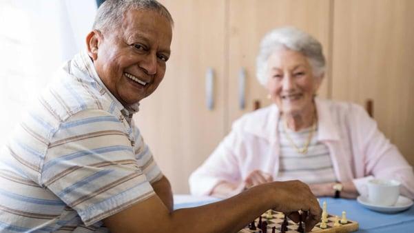 Blog-Imagen-prestamos-jubilados-pensionados-5-actividades-para-jubilados-y-pensionados-negocio-impulsa-suenos-retoma-pasatiempos-ajedrez-Oct20