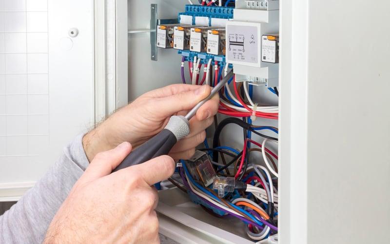 10-Conexion-electrica